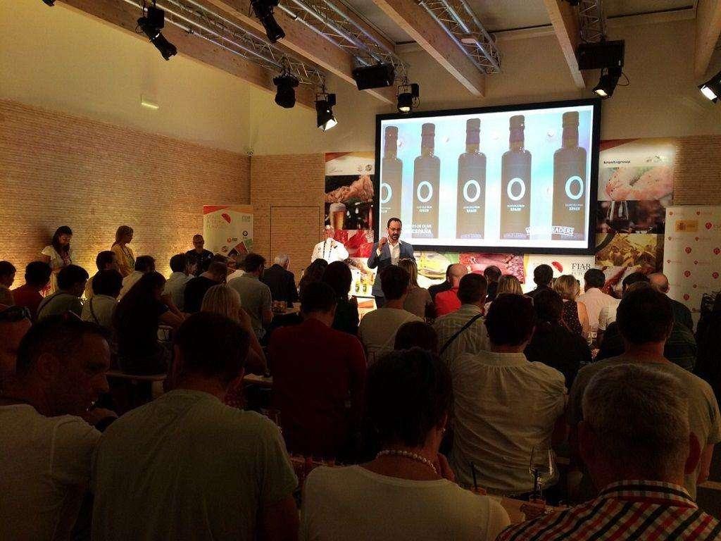 Aceites de Oliva de España ha celebrado dos sesiones de cata-degustación con motivo de la celebración de Expo Milán 2015
