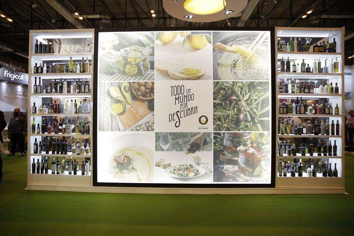 Aceites de Oliva de España ha dedicado el stand en el Salón Gourmets a difundir la versatilidad del producto