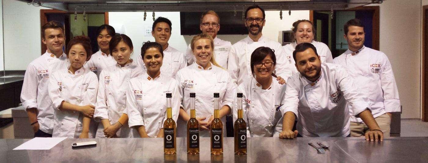 Alumnos llegados de todo el mundo del Programa de Formación de Formación en Gastronomía del ICEX