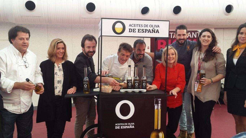 El público y los profesionales que acudieron al Concurso  Nacional de Pincho y Tapas Ciudad de Valladolid pudieron degustar nuestro producto en los carritos de los Aceites de Oliva