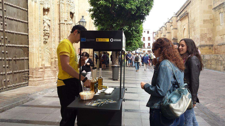 La Experiencia de los Aceites de Oliva sale a la calle con 50 carritos para buscar a consumidores nacionales e internacionales
