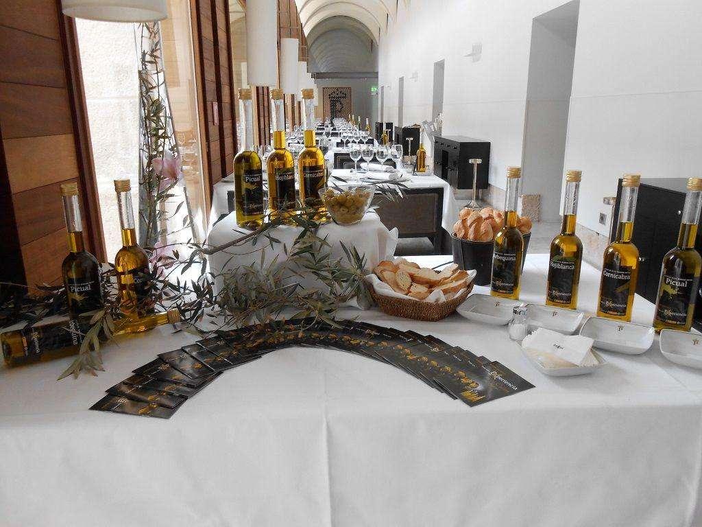 Paradores de Turismo difunde las bondades de los aceites de oliva