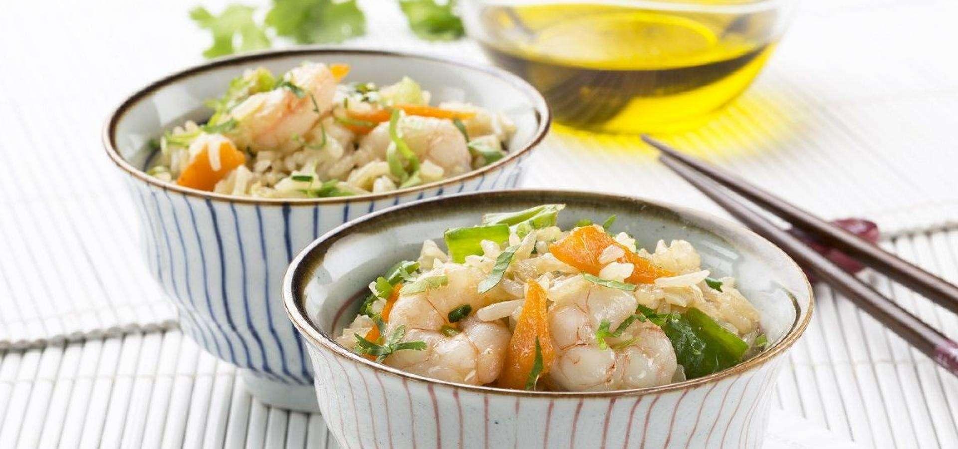 Receta de arroz salteado con verduras y gambas