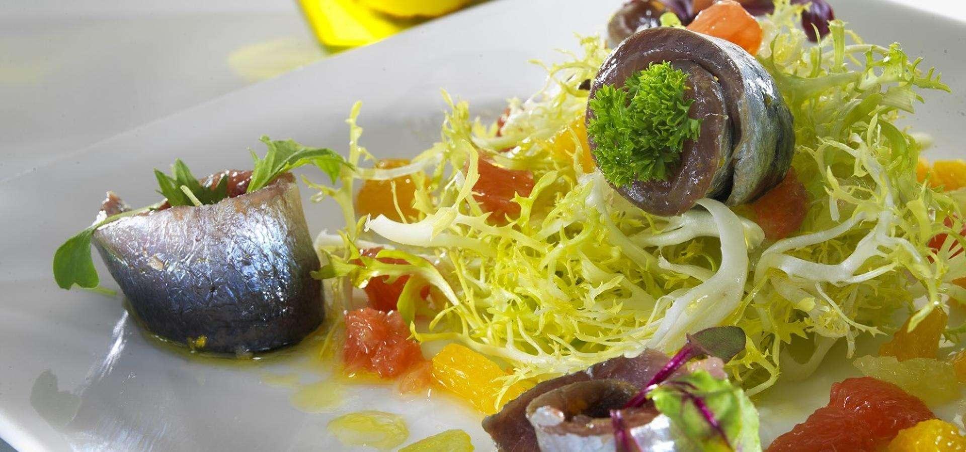 Receta de ensalada de sardinas con cítricos y aceite de oliva