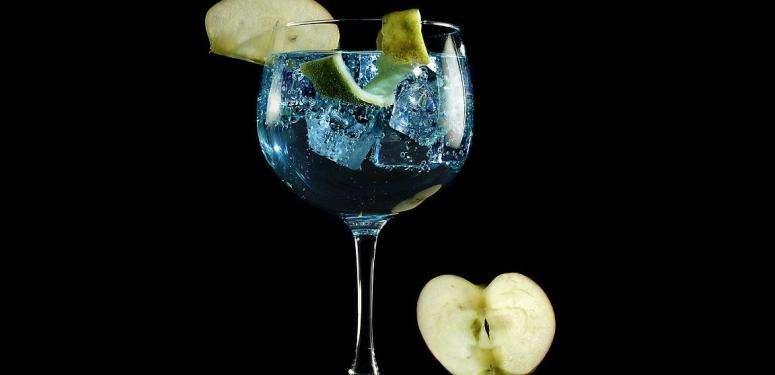 Gin Tonic con aceite de oliva virgen extra arbequina