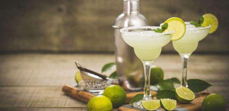 Margarita con aceite de oliva virgen extra hojiblanca