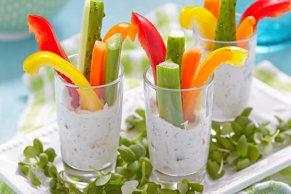 Crudities con salsa de yogur