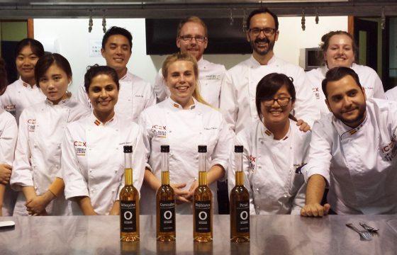 Los alumnos del Programa de Formación en Gastronomía del ICEX aprenden a usar los Aceites de Oliva de España