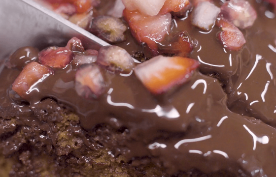 Bizcocho de yogur y cobertura de aceite y chocolate