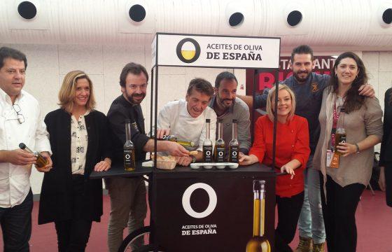"""La tapa """"Bifana Macao"""", elaborada con la variedad hojiblanca, gana el premio extraordinario Aceites de Oliva de España"""