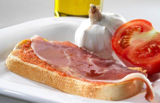 Pan tumaca con jamón