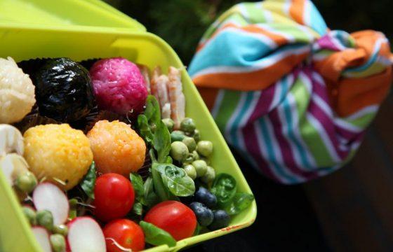 Bento de Onigiri de colores