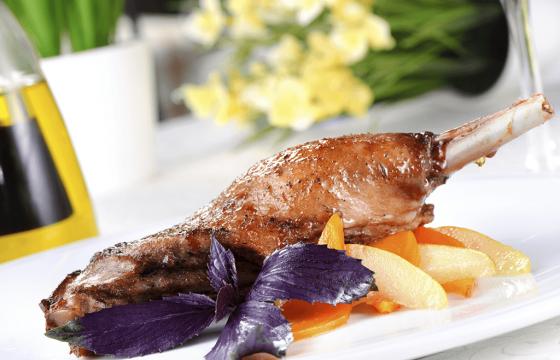 Pollo confitado en aceites de oliva
