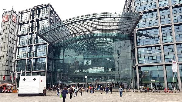 Fachada de la Estación Central de Berlín