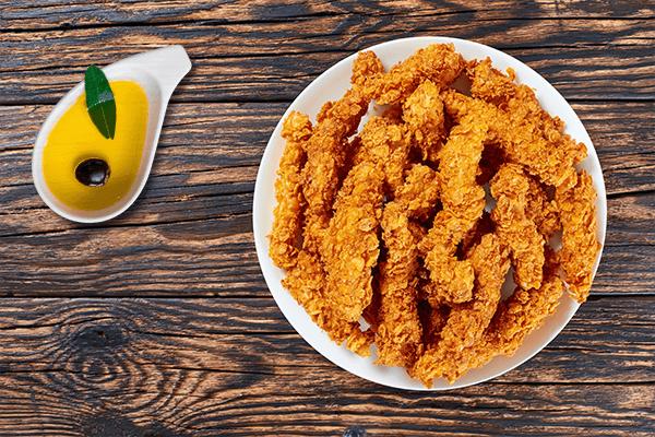 Hay muchas formas diferentes de empanar carnes y pescados para freír