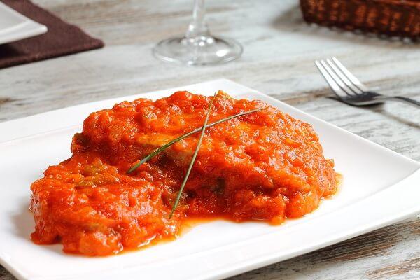 Panga con salsa de tomate