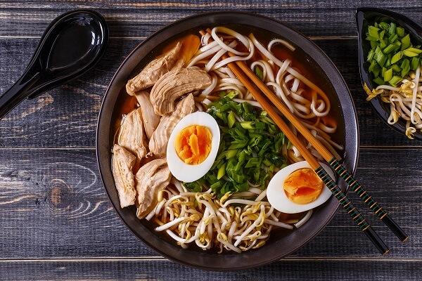 El ramen es un plato reconfortante y muy nutritivo