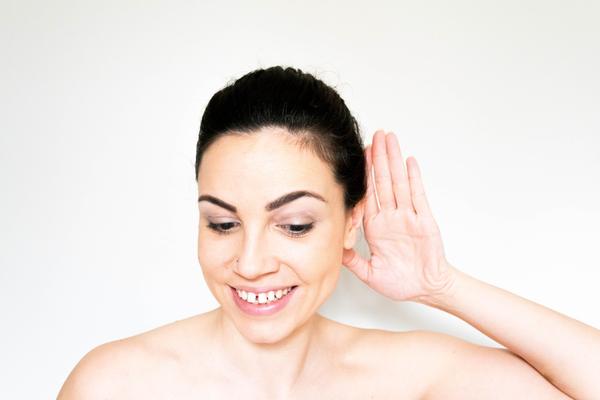 ¿Puede ayudar el aceite de oliva en la limpieza de los oídos?