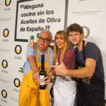 Nicolás Coronado, Raquel Meroño y Leo Harlem versionan recetas de toda la vida con los Aceites de Oliva como ingrediente estrella en un innovador reto gastronómico